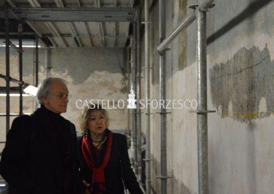 Gérard Albert Mourou, Premio Nobel per la Fisica nel 2018, in visita al cantiere di restauro della sala delle Asse per osservare da vicino l'innovativa tecnologia laser impiegata nello scoprimento delle affascinanti tracce di disegno leonardesco.